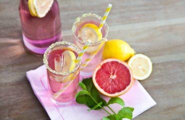 Розовый лимонад: рецепт напитка для романтического вечера