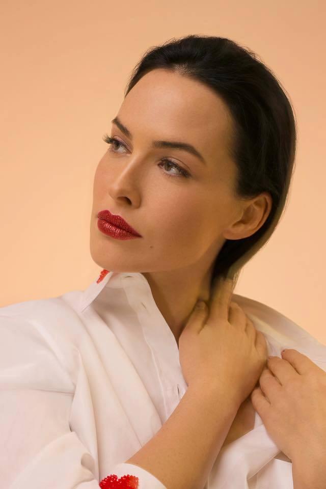 Даша Астафьева впечатлила поклонников чувственными снимками