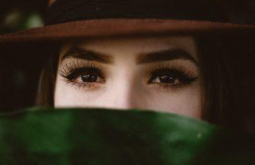 Как сделать глаза более выразительными с помощью макияжа