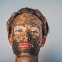 Сияющая кожа зимой: как сделать полезные маски из подручных средств