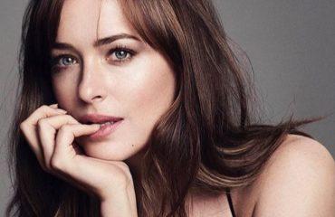 СМИ рассмешила реакция Дакоты Джонсон на Анджелину Джоли