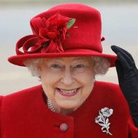 Скандал в королевской семье: Елизавета II уволила поставщика своего белья
