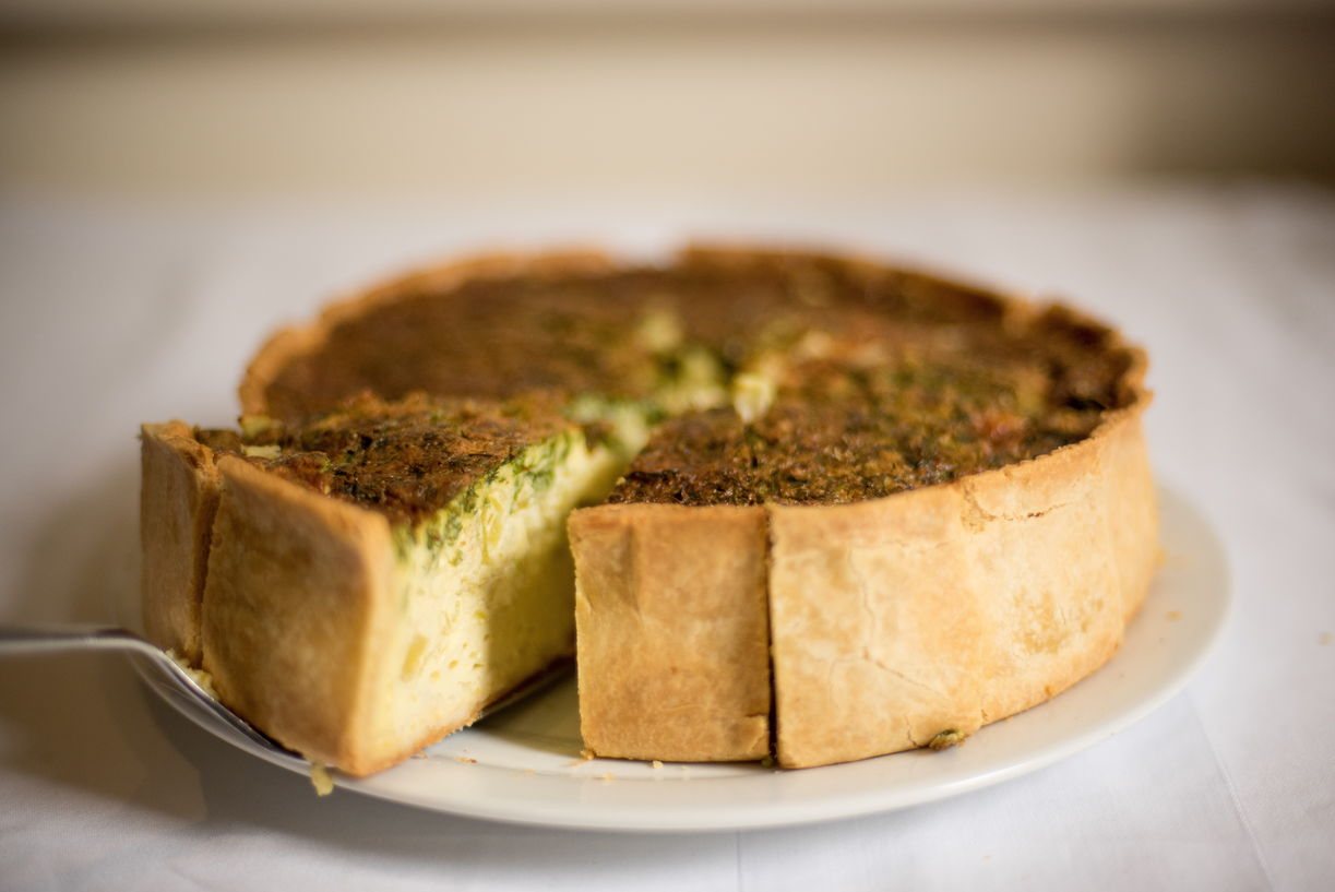 Куриный пирог со шпинатом и грибами