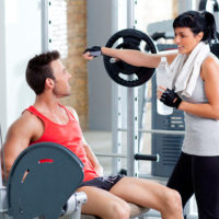 Опасные упражнения, которые нельзя выполнять в зале самостоятельно