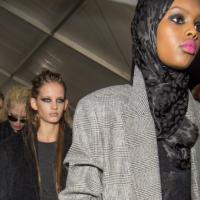 Неделя моды в Милане: модели в хиджабах и много леопарда в показе Max Mara