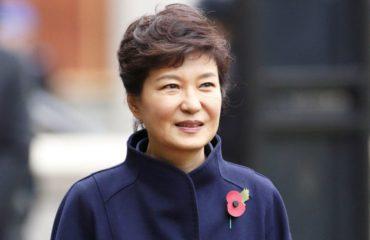 Деньги, власть и спиритические сеансы: скандальная история Пак Кын Хе