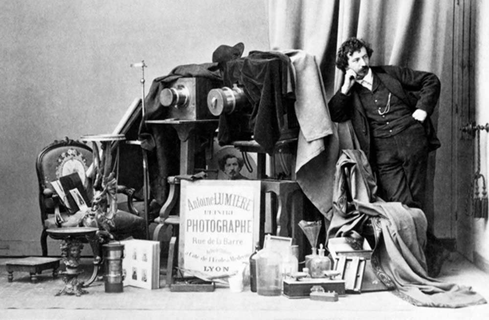 Начало мирового кинематографа: легенда создания кинокамеры братьев Люмьер