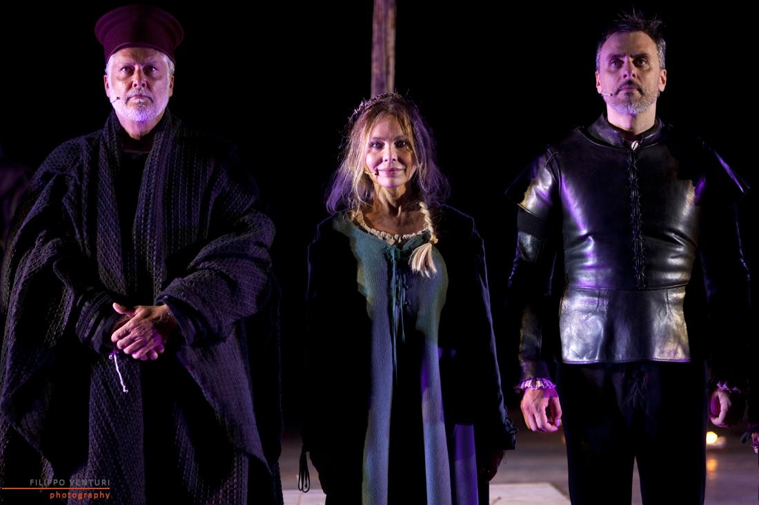 Звезды итальянского кино Орнелла Мути и Микеле Плачидо приедут в Киев со спектаклем
