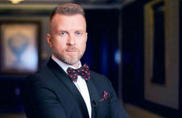 Антон Мухарский покинул Украину и будет просить убежища в Европе