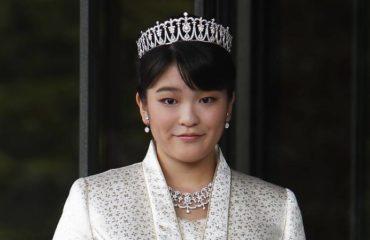 В Японии перенесли свадьбу принцессы Мако с простолюдином