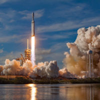 Илон Маск запустил в космос автомобиль Tesla