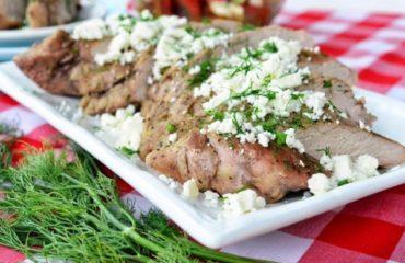 Свиная вырезка по-гречески с сыром Фета