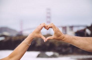 Как влюбиться за 4 минуты: психологический эксперимент