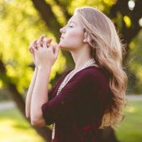12 мудрых высказываний о религии и вере, над которыми стоит подумать
