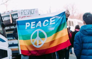 Maroon 5, IAMX і Kadebostany записали відеозвернення для ЛГБТ-спільноти в Україні