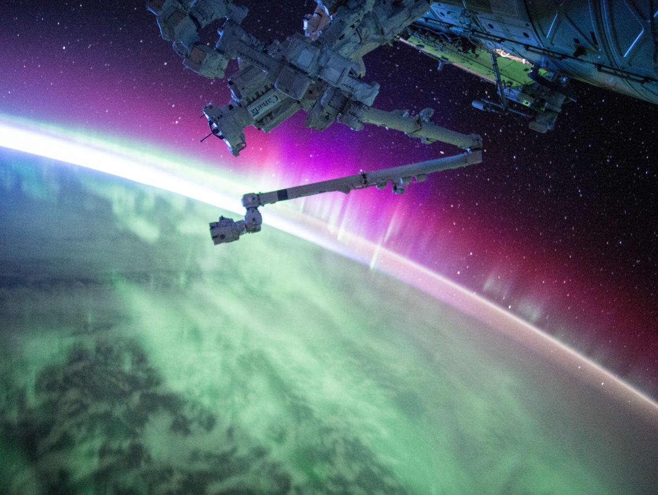 """Космический """"Бермудский треугольник"""": чем опасна аномалия на орбите"""