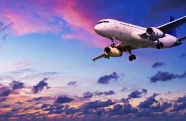 Этикет на высоте: правила поведения в самолете