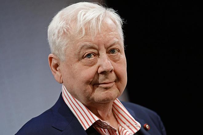Литвинова, Безруков и другие звезды почтили память Олега Табакова