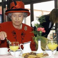 Королевская диета: шеф-повар рассказал, чем питается Елизавета II