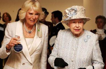 """Елизавета II назвала жену принца Чарльза """"безнравственной женщиной"""""""