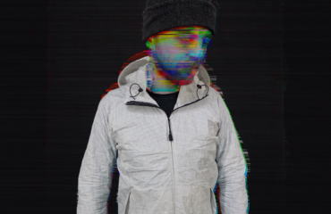 Канадский студент создал самую легкую в мире куртку