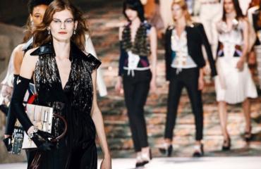 Стильный показ Louis Vuitton закрыл Неделю моды в Париже