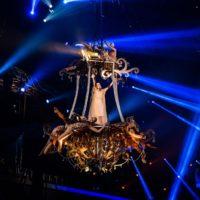 Ани Лорак предстала в образах Девы Марии, Мата Хари и Коко Шанель в Москве