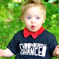 Родители детей с синдромом Дауна поделились трогательными фото своих малышей