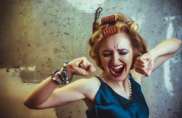 Как перестать находиться в плену эмоций: советы эксперта