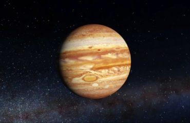 NASA показали впечатляющий снимок розовой бури на Юпитере