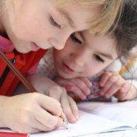 В каком возрасте необходимо отдавать ребенка в школу: мнение эксперта
