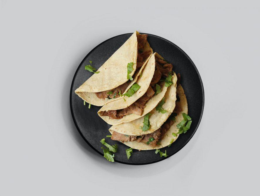 Пита по-мексикански с говядиной и фасолью