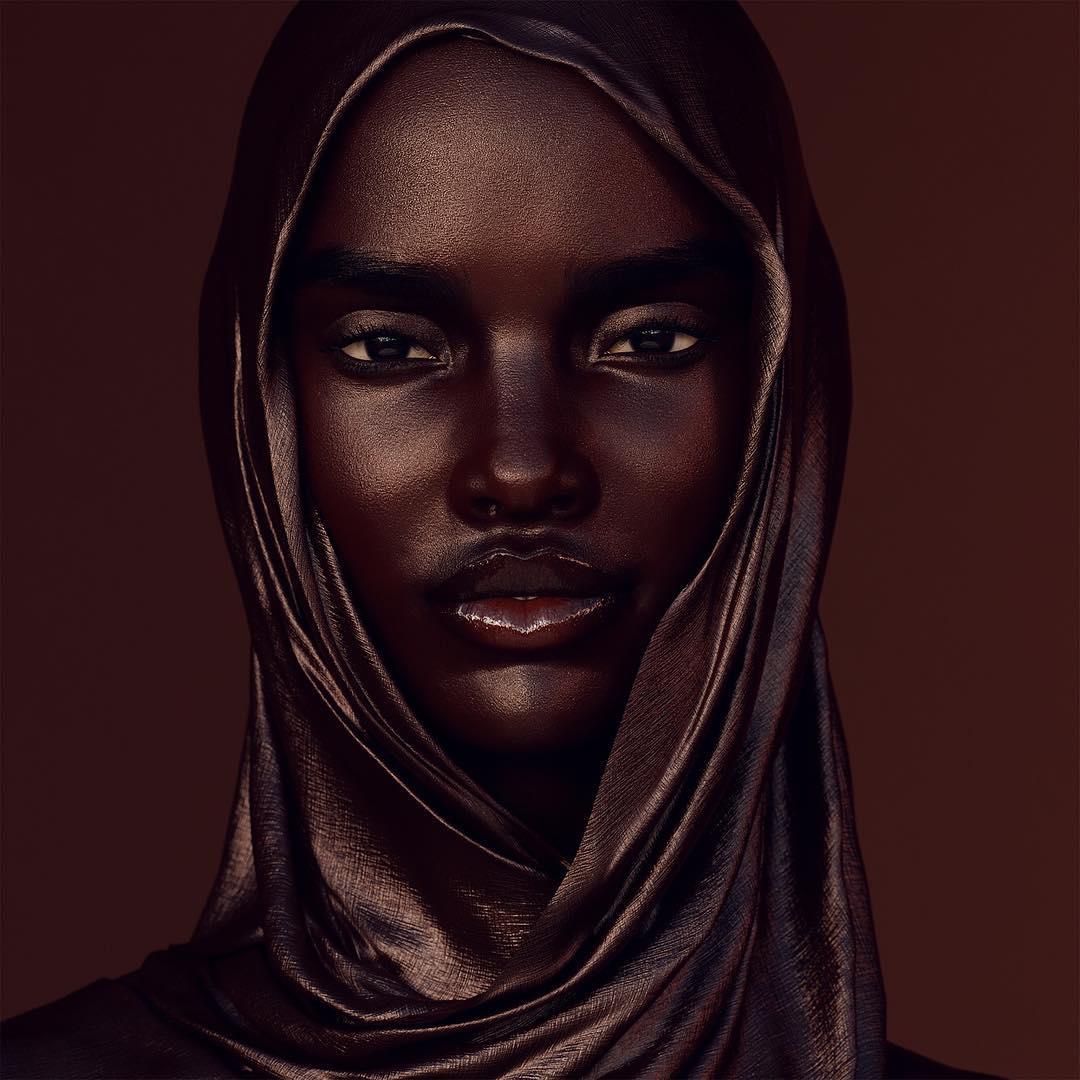 Чернокожая фотомодель