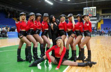 Украинский дизайнер создала униформу для популярной группы поддержки