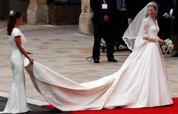 68ae72eec17 Свадебное платье Меган Маркл будет стоит дешевле