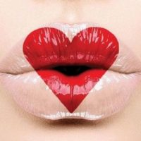 Как сделать губы объемными: 5 простых советов