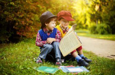День детской книги: топ-5 познавательных произведений для ребенка