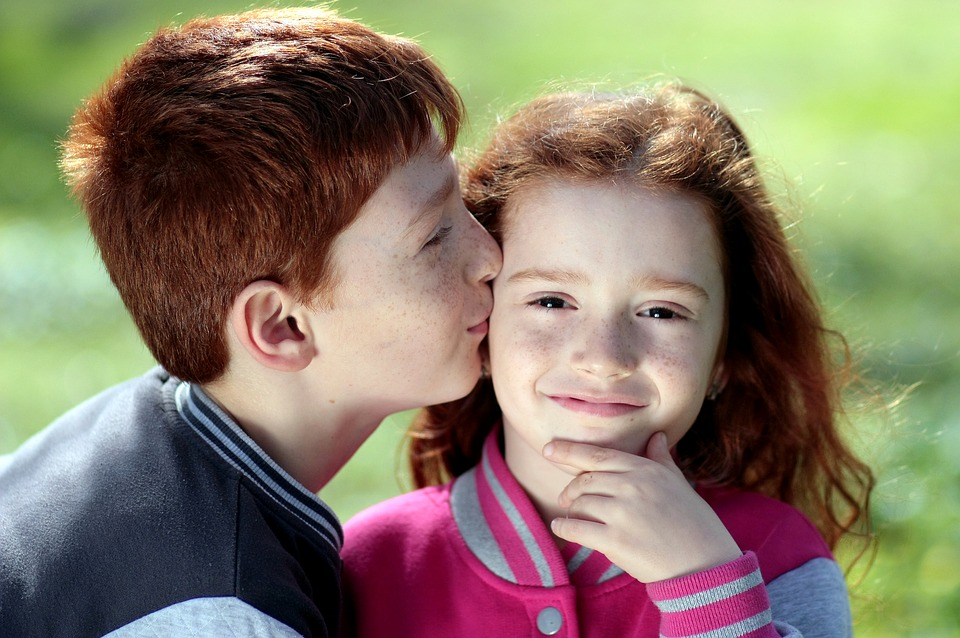 День братьев и сестер: трогательные фото и афоризмы