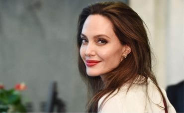 Секреты красоты Анджелины Джоли: топ-6 правил от дерматолога актрисы