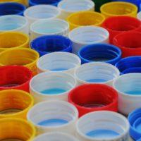 Без палочек и соломинок: в ЕС предлагают отказаться от пластика