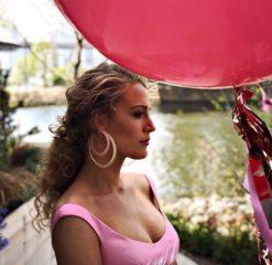 Блейк Лайвли пришла на благотворительную вечеринку в образе диснеевской принцессы