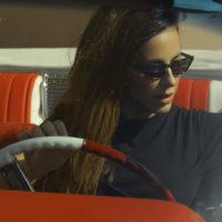 Кольчуга вместо купальника: Ани Лорак сменила девять нарядов в романтичном клипе