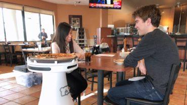 Официантам в помощь: экс-сотрудник Google создал уникального робота