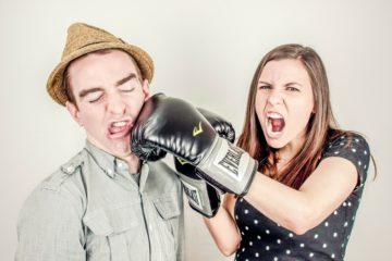 Как вести себя во время конфликта: советы психолога