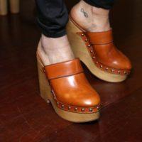 Тренды 2018: этим летом в моду возвращается обувь сабо