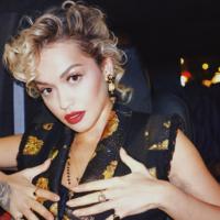 Из блондинки – в огненно-красный: Рита Ора кардинально изменила цвет волос