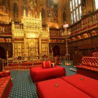 Членам британской Палаты лордов запретили спать и кричать на оппонентов