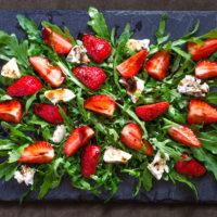 Салат с клубникой от Марины Аристовой: простой рецепт
