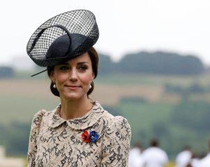 Кейт Миддлтон прогулялась с детьми в платье от Zara за 45 долларов