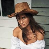 Ирина Шейк стала ковбоем в новой фотосессии для глянца